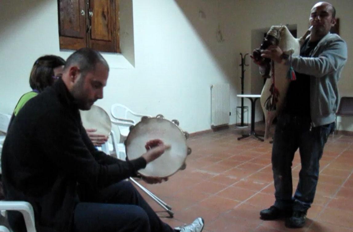 02-Tarantella-van-Italo-albanezen-op-de-doedelzak.jpg